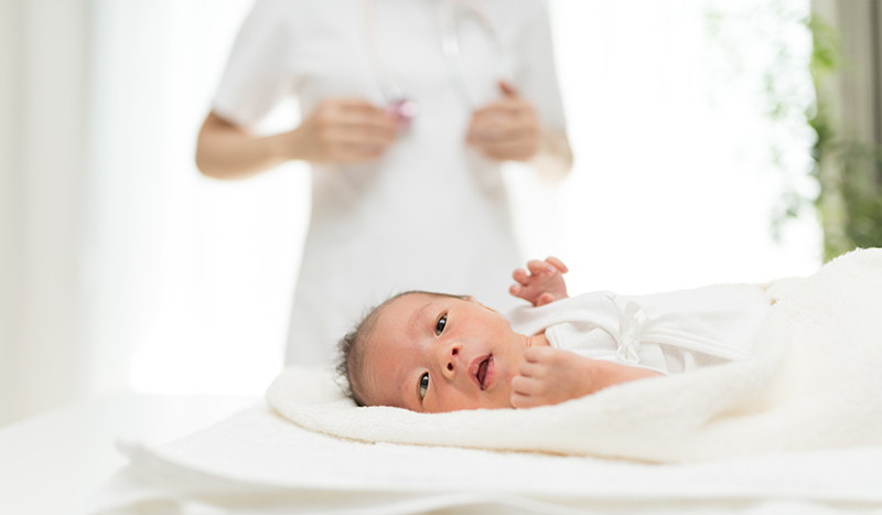 病院ならではの多様なお産方法(夫立ち会い分娩、無痛分娩、水中分娩など)に対応したPRコンテンツを大きく設置。